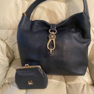 Dooney & Bourk Leather Logo Lock Hobo w/clutch